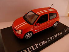 Coche 1/43 RENAULT M6 Universal Hobbies CLIO 2 RS team 2004