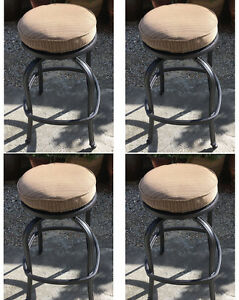 Patio-Swivel-Bar-Stool-Short-With-Cushion-set-of-4-Outdoor-cast-aluminum-seats