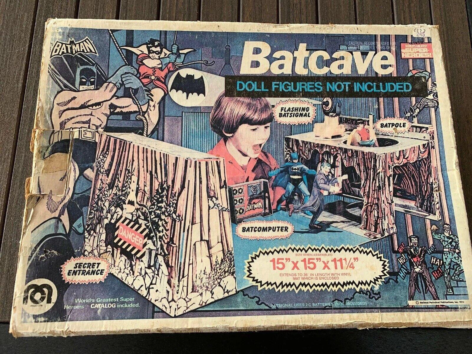 1974  la baticueva clásica de de de mego, 8 pulgadas, caja de personajes de wgsh. a7c