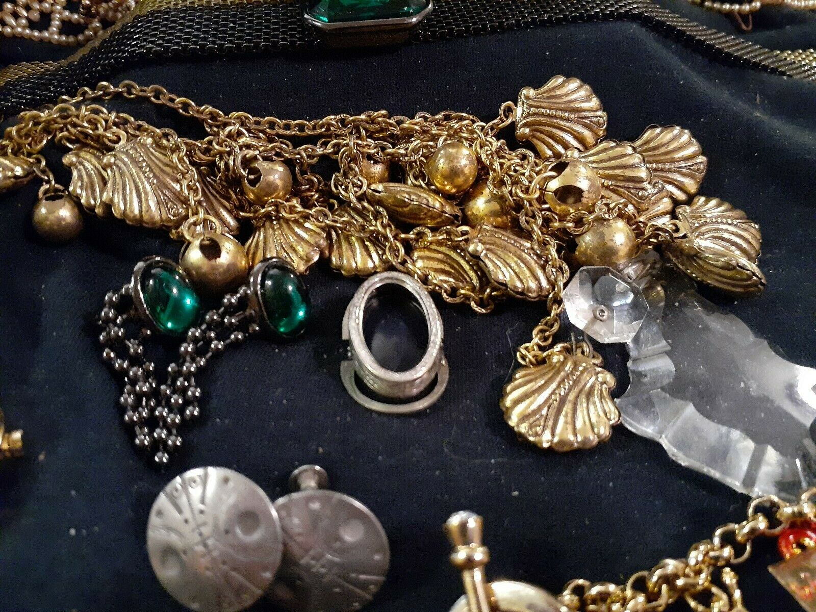 LOT OF VINTAGE COSTUME JEWELRY WATCHES CHARM BRAC… - image 5