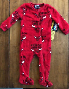NWT Baby Boys CHICAGO BULLS NBA Basketball PAJAMAS SLEEPER One-Piece ... 8a969c61edf0