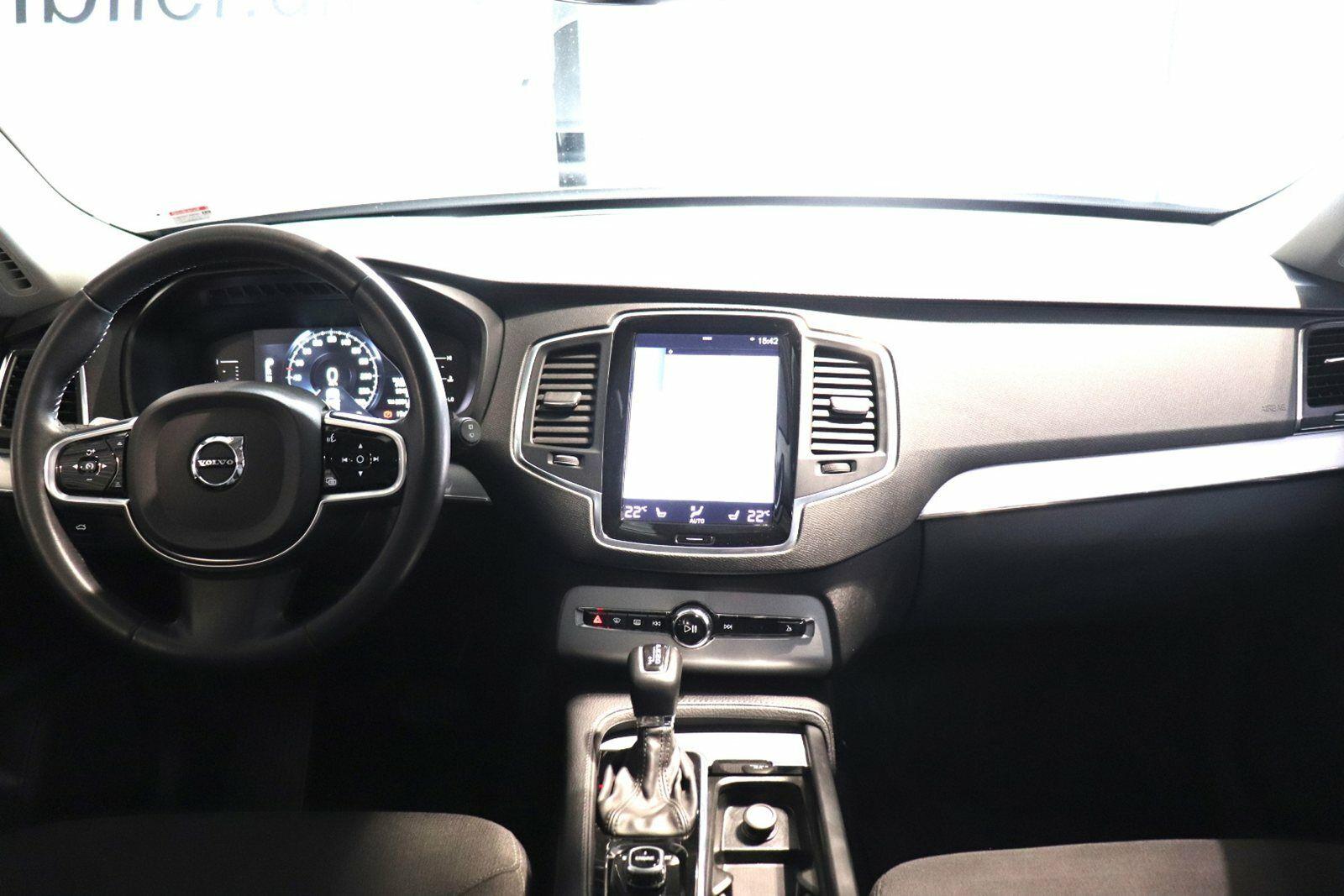 Volvo XC90 D5 225 Momentum aut. AWD Van