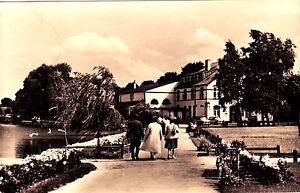 Krakow-am-See-Seehotel-an-der-Seepromenade-Ansichtskarte-gelaufen