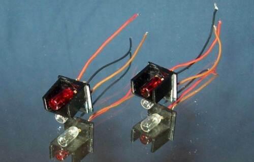 0330 Märklin ICE Experimental Stirn-Lampenhalter  3371 3671-2 Stück m Birnen
