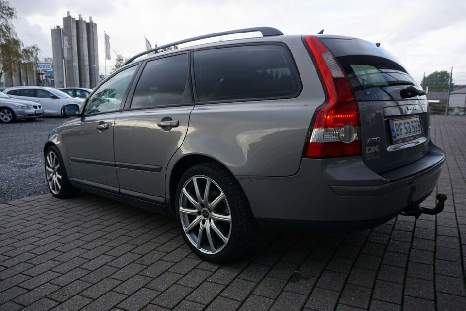 Volvo V50 2,0 D Kinetic Diesel modelår 2004 km 330000 træk 1
