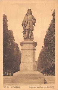 AVALLON-estatua-Vauban-por-Bartholdi