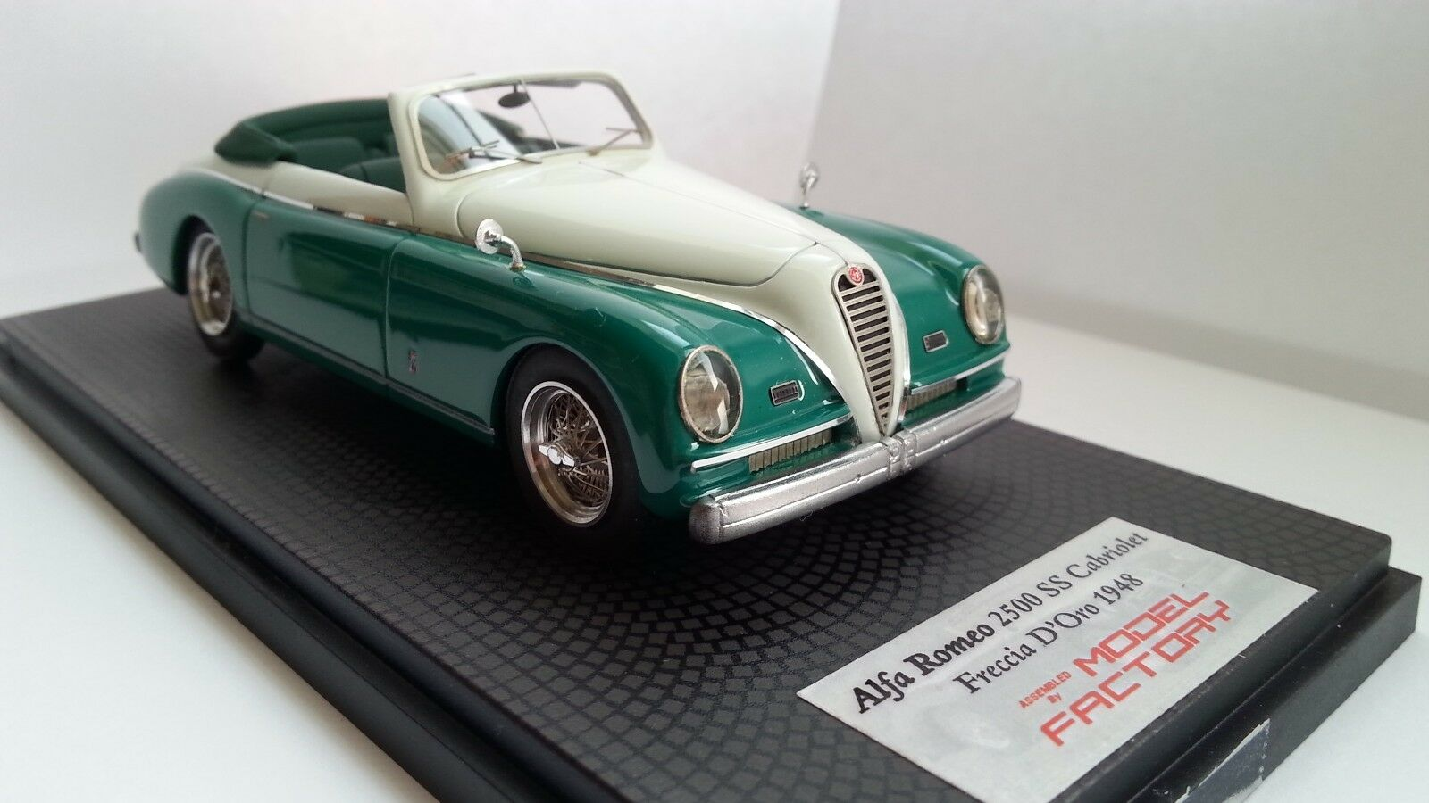 ALFA ROMEO 2500 SS CABRIOLET FRECCIA D'gold BBR BY MODEL FACTORY ITALY 1 43 RESIN