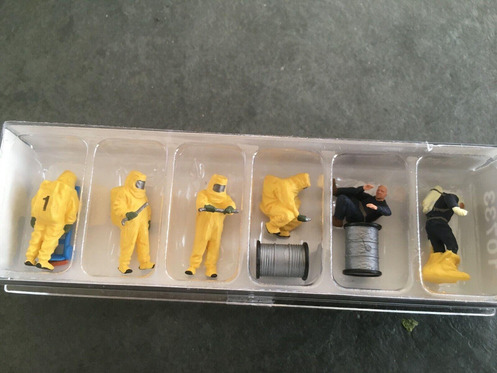 Preiser 10732 Feuerwehrmänner Orangener Vollschutz 6 Figuren mit Zubehör H0 Neu