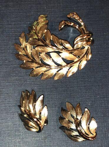Vintage SIGNED Crown TRIFARI Brooch & Earrings Set