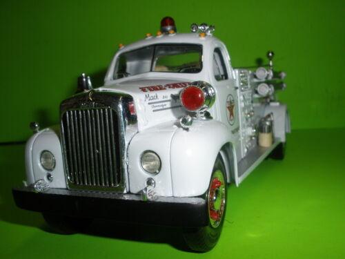 TEXACO 1st FIRST GEAR 19-2250 FIRE CHIEF 1960 MACK B-MODEL PUMPER FIRETRUCK 1:34