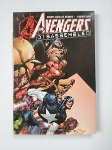 Avengers-Disassembled-Marvel-Deluxe-Hardcover-TPB-Bendis-Finch-2006