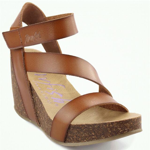 ec0ad38624 Blowfish Hapuku Scotch Dyecut PU Womens Wedge Sandals Size 8.5m for ...