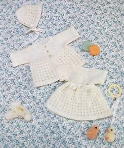 Tiny-Baby-Doll-Jacket-Dress-Bonnet-amp-Bootees-Vintage-Knitting-Pattern-R13191
