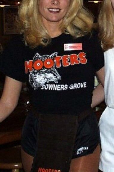 2XL Hooters Uniform T-shirt Dolfin Logo Shorts Collants Chaussettes Badge Sexy