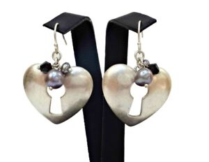 NEW-EVITA-PERONI-EARRINGS-SILVER-PLATED-PEARLS-HEART-KEY-HOLE-DESIGN-VINTAGE