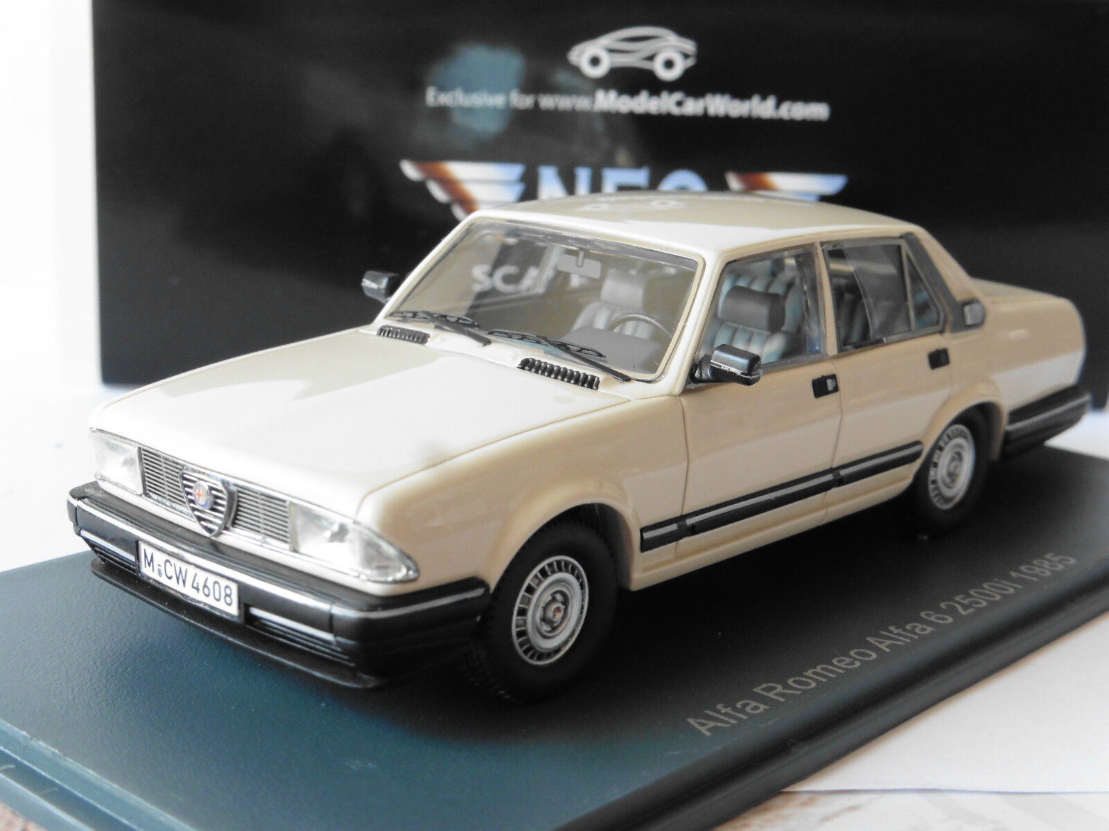 ALFA ROMEO 6 2500I 1985 bianca NEO 45608 LHD 1 43 LEFT HAND DRIVE WEISS BIANCA