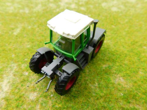 D08 Wiking 1:87 H0 Traktor Fendt Systemschlepper Xylon