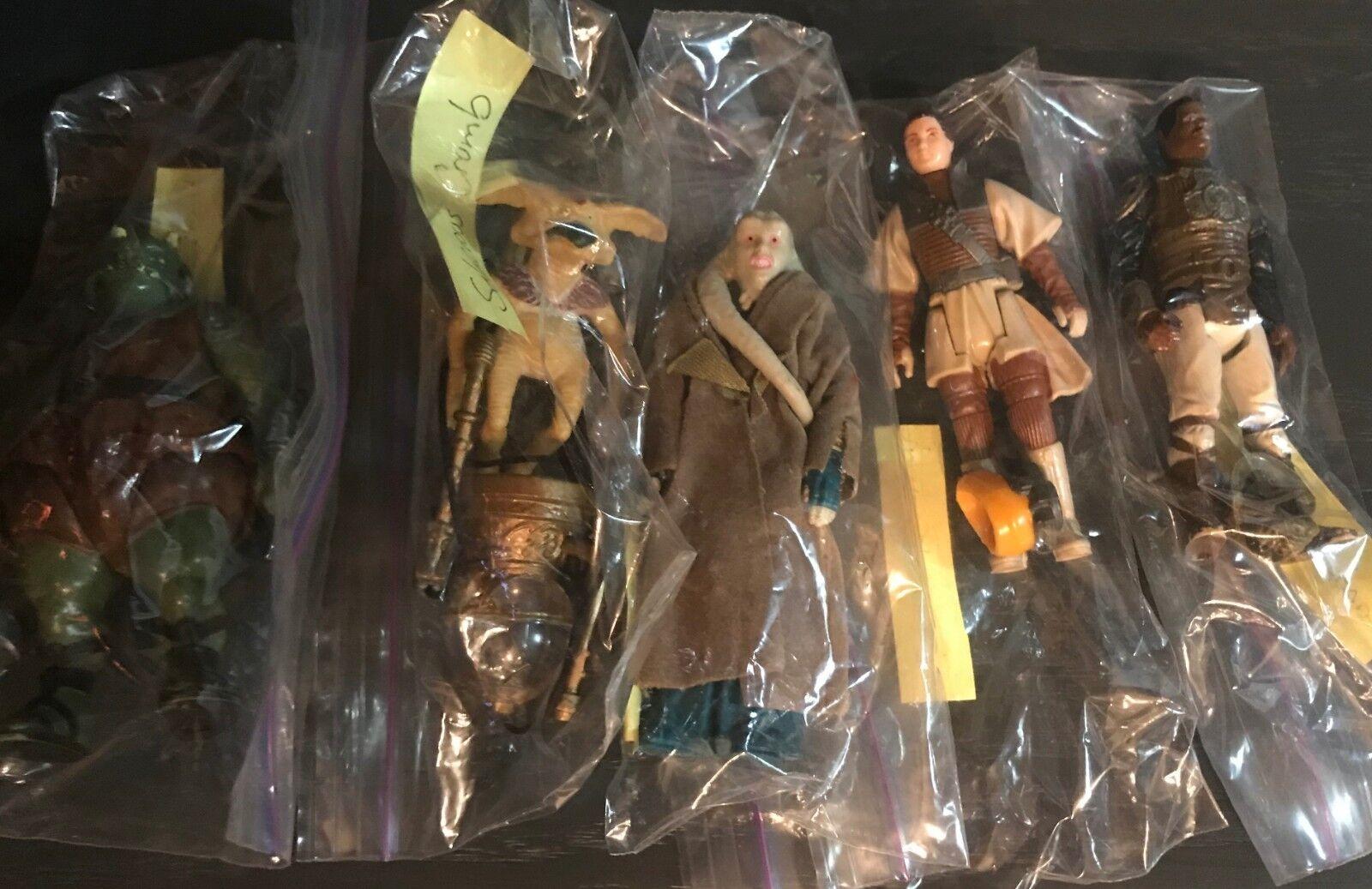 Star Wars Vintage Set of FIVE (5) Action Figures from Tatooine Scenes