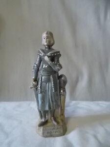 Statuette-Jeanne-d-039-Arc-en-biscuit