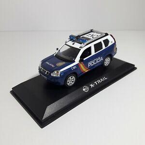 1/43 Nissan X-trail police nationale Dk4 transformation à la main