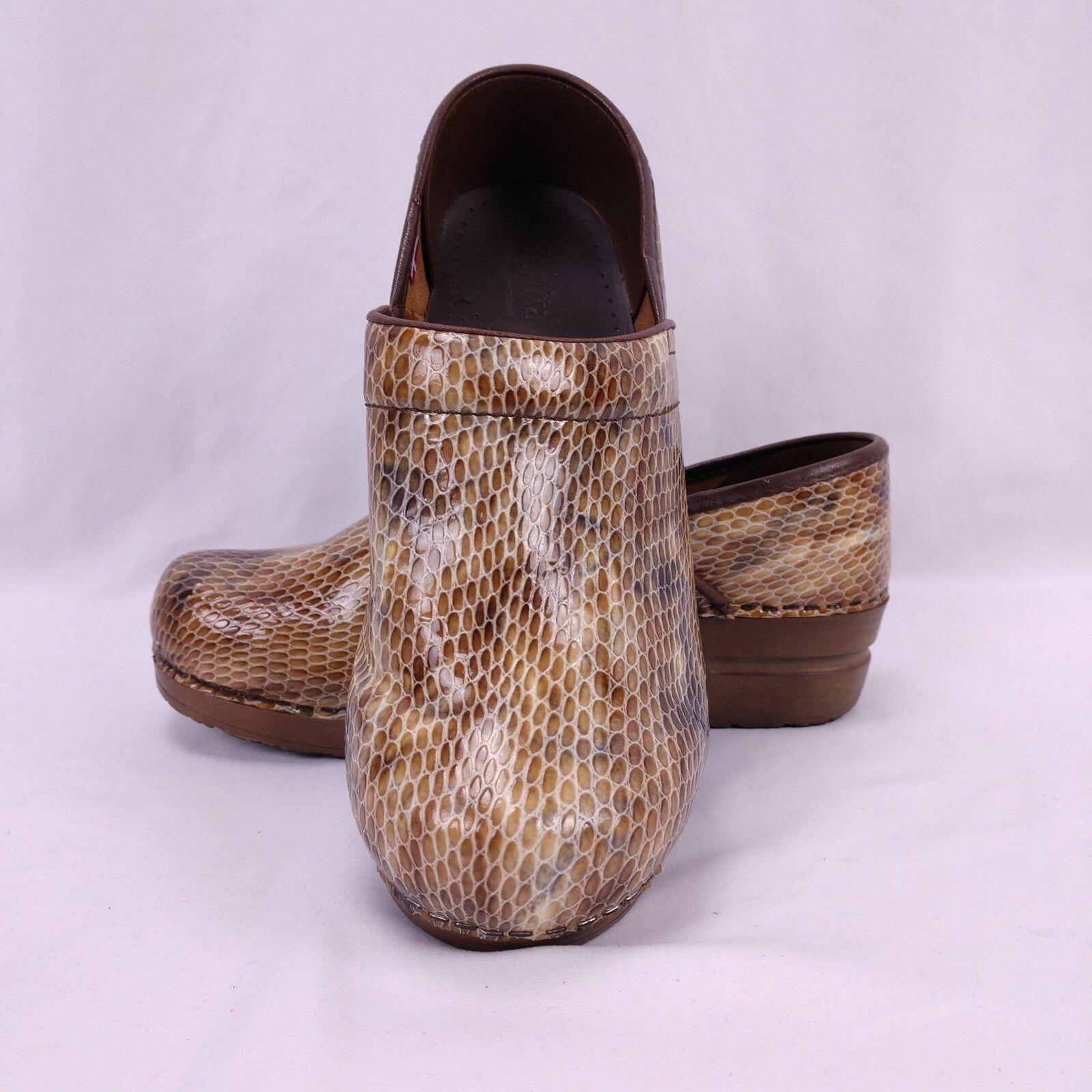 Sanita Clogs 39 braun Patent Leather Snakeskin Casual Work Nurse