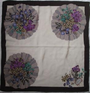 4c7d45361d5 Superbe foulard GUCCI soie TBEG vintage scarf 84 x 87 cm