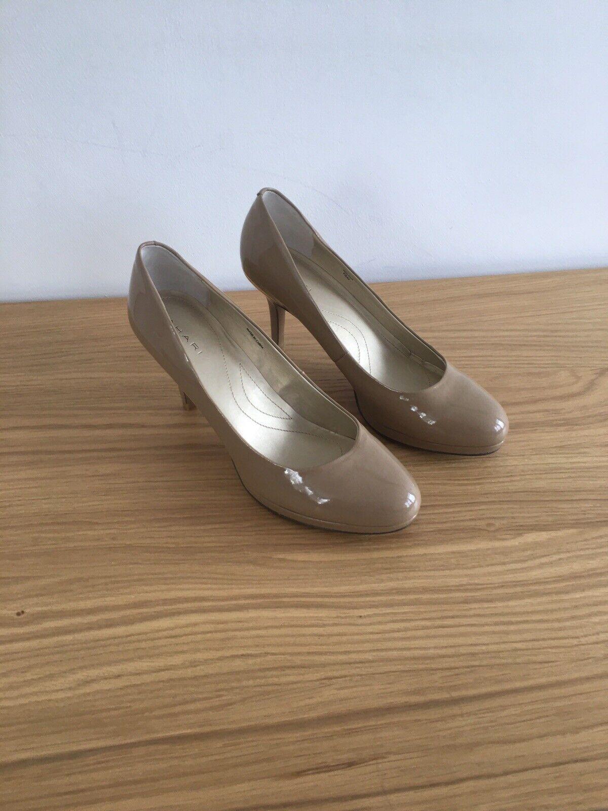 Tahari High Heel Shoes UK7 US9.5 New Heel 9cm