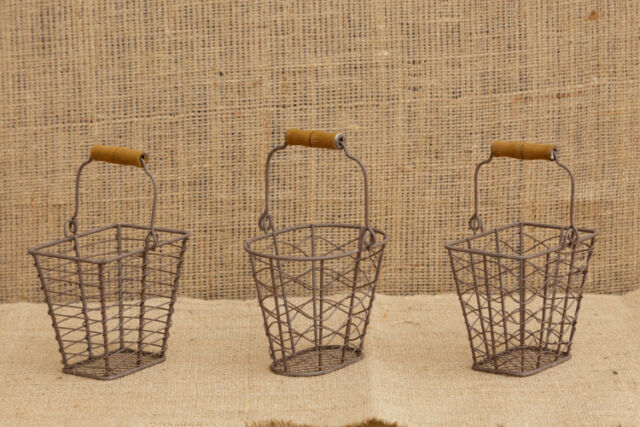 Primitive Country Rusty Wire Basket w//wood Handle