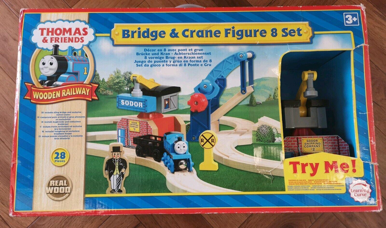 THOMAS the Tank Engine Bridge & Crane Figure 8 Set, Holzen railway train tracks