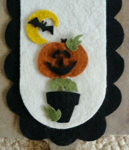 PRiMiTiVe Wool Felt Autumn Die Cut ShapesPenny RugPotted