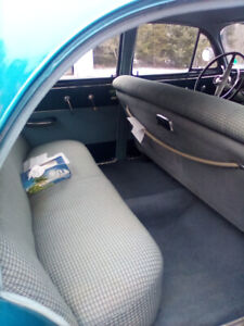 Selling my nice 1952 Pontiac sedan car