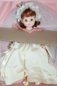 MADAME-ALEXANDER-DOLL-034-BRIDE-034-1589-w-Box-and-Tags-14-034