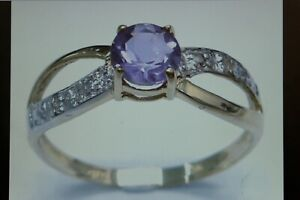 NICE 9CT YELLOW GOLD NATURAL ROUND FACETED AMETHYST & DIAMOND RING SIZE O1/2
