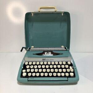 SCM Smith Corona Corsair Deluxe Typewriter Aqua Blue Portable w/Case Not Tested