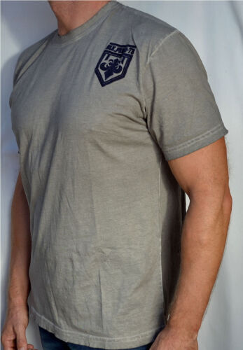 NEW Affliction REACTOR Men/'s Short Sleeve T-Shirt White Oil Stain A4451