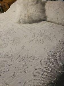 Vintage White Silver Thread Popcorn Chenille Morgan Jones QUEEN Bedspread 88x104