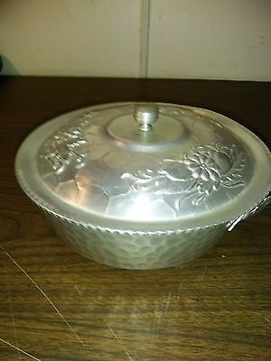 """Nasco Italy Hammered Aluminum Bowl w/Lid Floral & Fruit Design 8""""  FREE SHIPPING"""