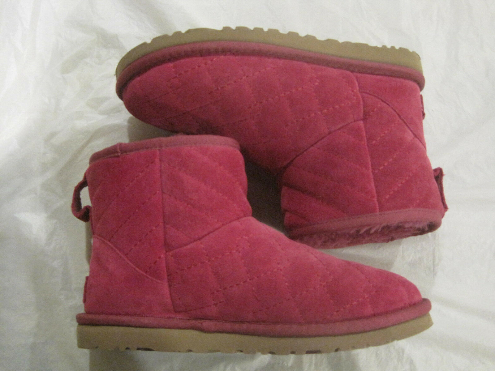 Ugg Arden StiefelQuilted Pink Fur with Fur Pink LiningGröße 6New w/boxLBDMB bbc621