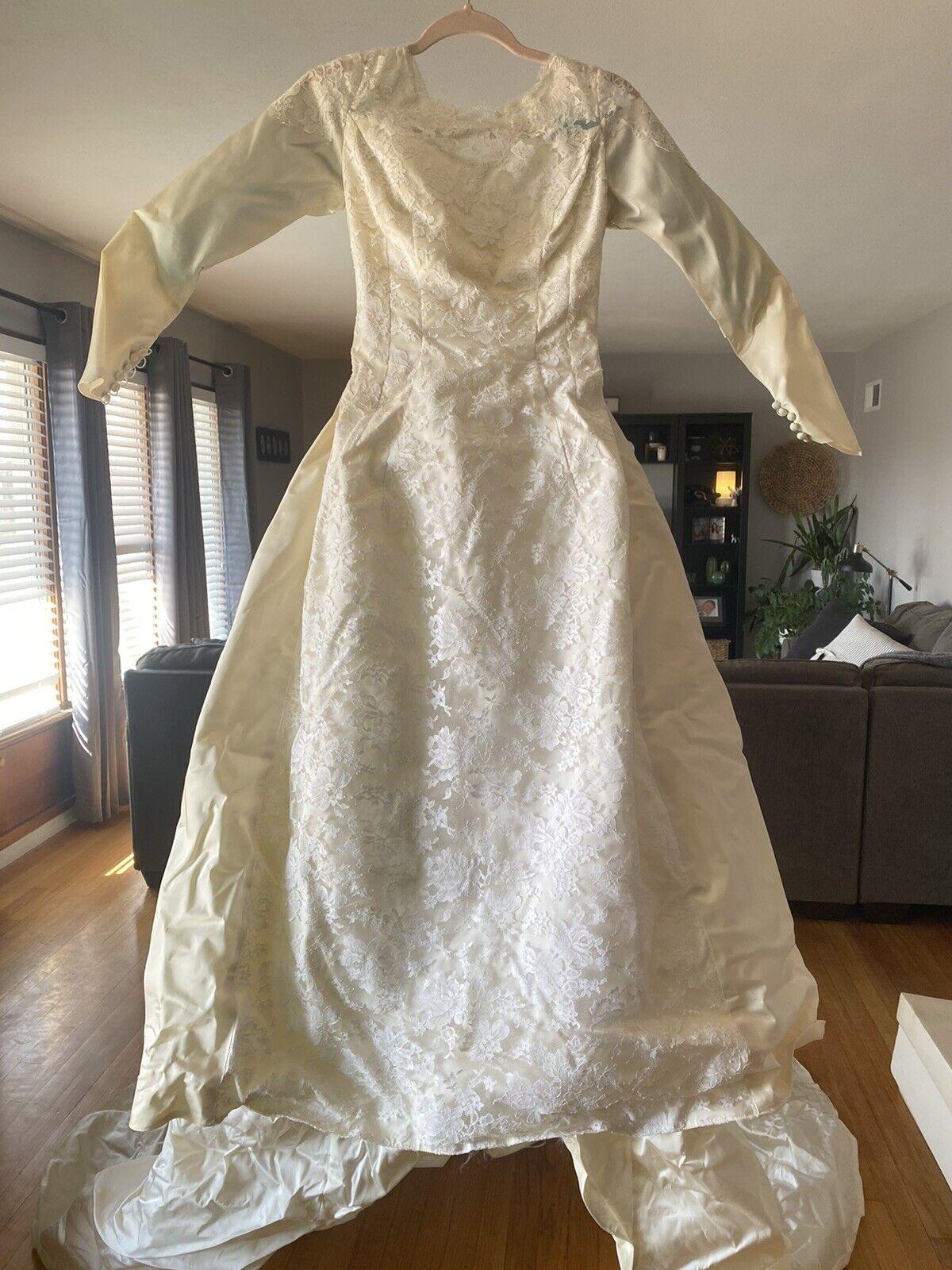 Vintage Bridal Originals Lace Wedding Gown Long Train