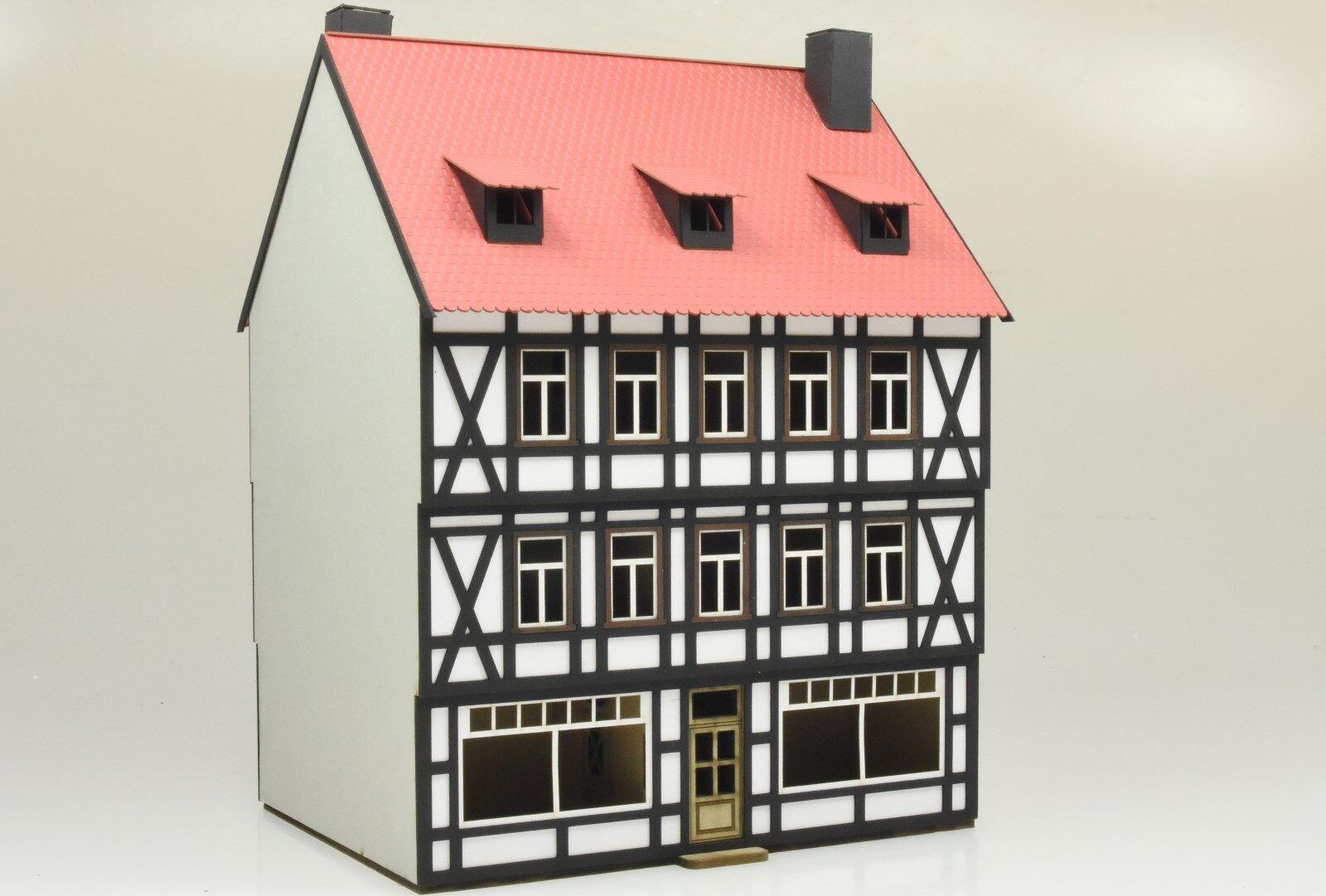 1935 Spur 0 Harzer Fachwerk-Cityhaus mit Ladenlok dreistöckig Lasercut-Bausatz