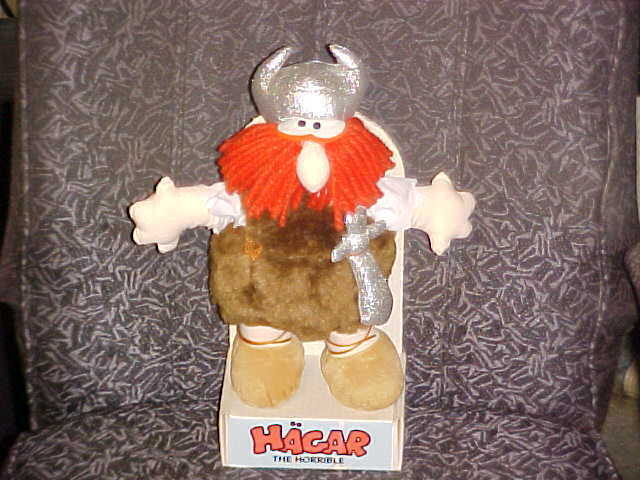 12  Hagar The Horrible Plush Doll Display Stand 1984 King Features Syndicate