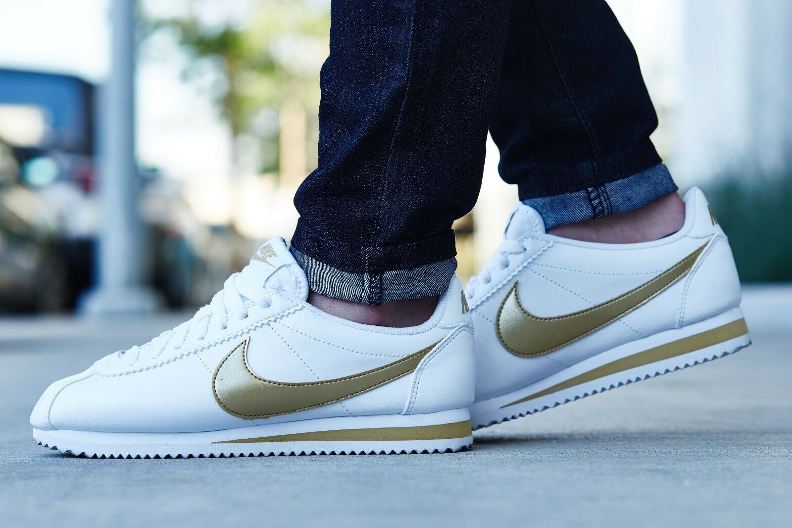 Nike Classic Cortez Leather White Metallic gold 807471-106 Wmn Sz 7