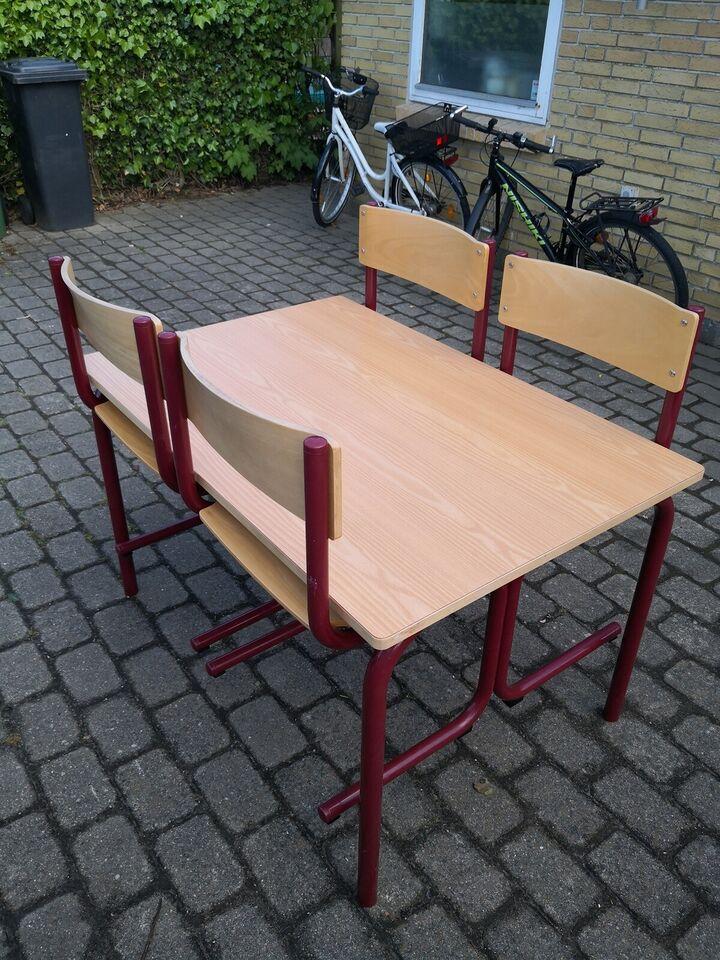 Spisebord m/stole, robuste og solide, b: 80 l: 120