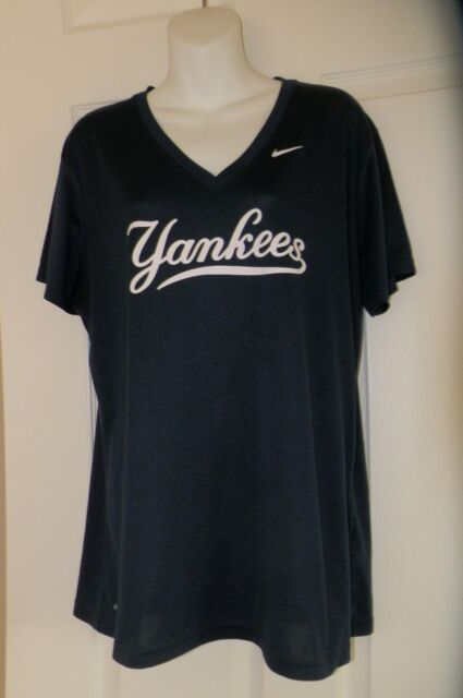 Nike Dri-Fit New York Yankees Slim Fit Heather V Neck t Shirt ... 2547c5034d9