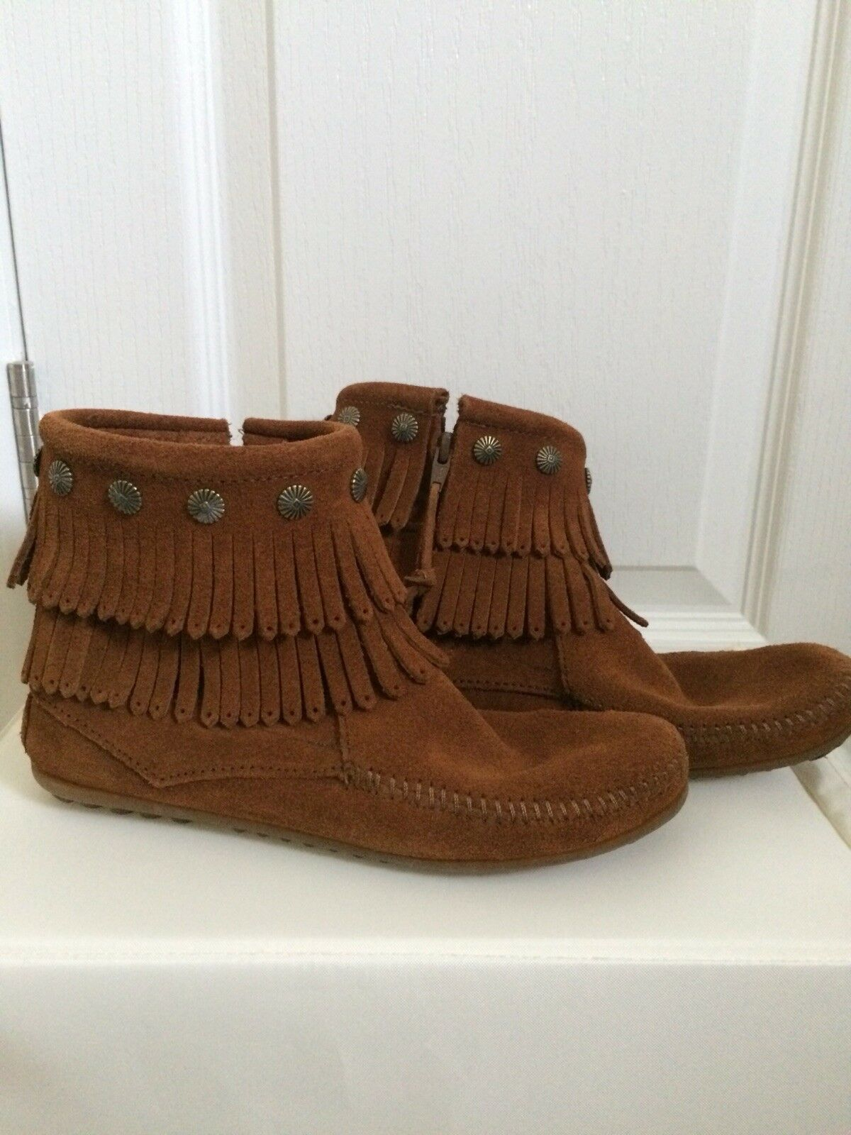 Minnetonka US 7 Suede Moccassin BOHO Ankle Boots Worn Once Briefly