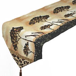 Webgobelin-Tischlaeufer-im-Safari-Look-034-Giraffe-034-33x180-cm-Afrika-Style-Laeufer