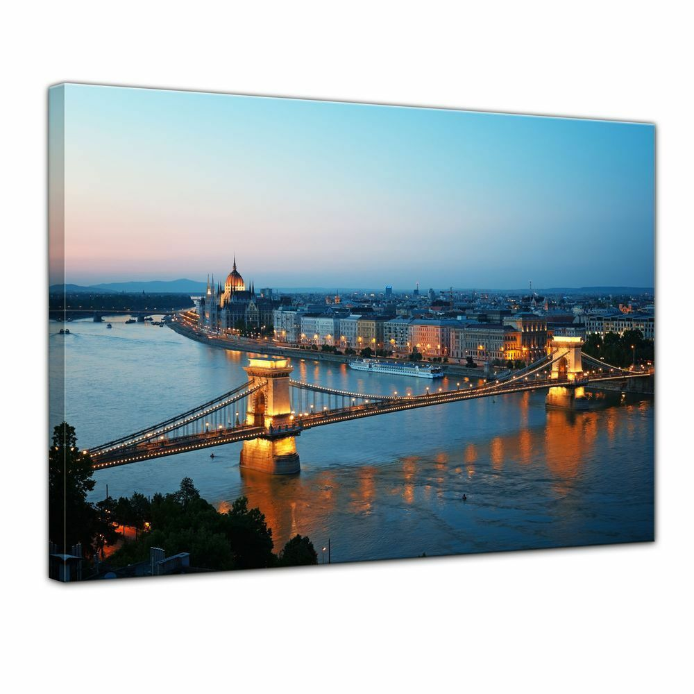 Leinwandbild - Budapest Skyline bei Nacht