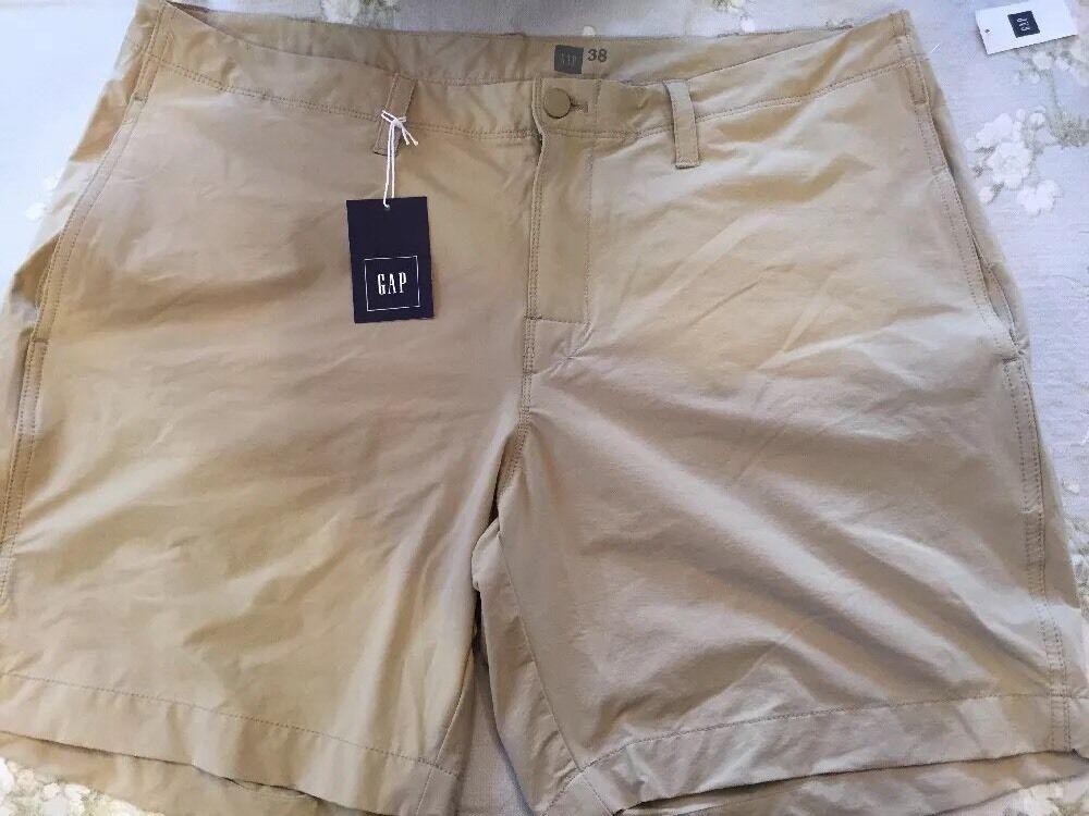 NWT Men's Gap Performance Khaki Nylon spandex  Size 38