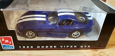 amt//ertl 1996 dodge viper rt//10 3 car box set