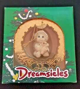 CHRISTMAS-DREAMSICLES-1997-ORNAMENT-10199-GOLDEN-WREATH-NIB-VINTAGE